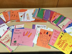 North Royalton Middle School Students Brighten Patients Thanksgiving